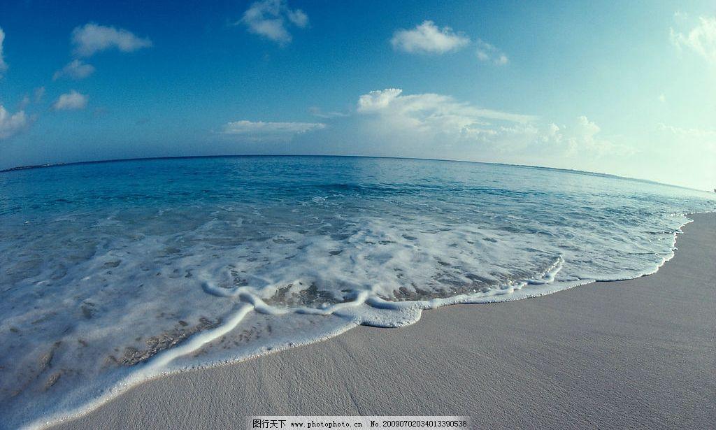 碧海蓝天 白云 沙滩 潮水       摄  300dpi -沙滩海蓝天白云海滨海岸夏天图片