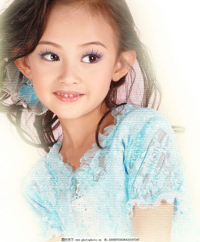 小美女 美少女 可爱 大眼睛 半身照 微笑 漂亮 蓝色衣 人物图库