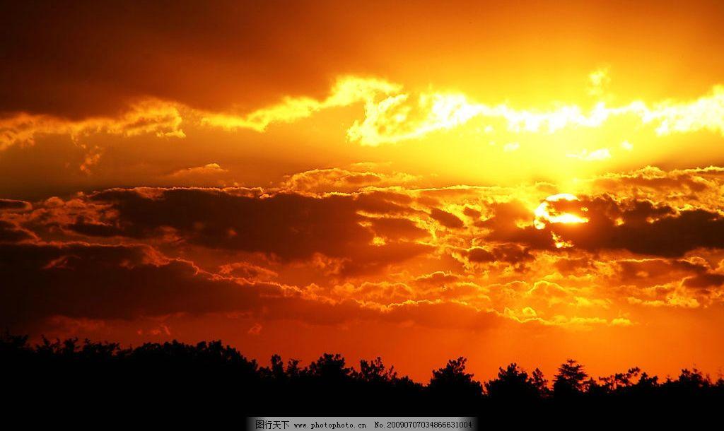 大自然 景观 景象 天空 云彩 树林 树木 晨曦 日升 自然景观 自然风景