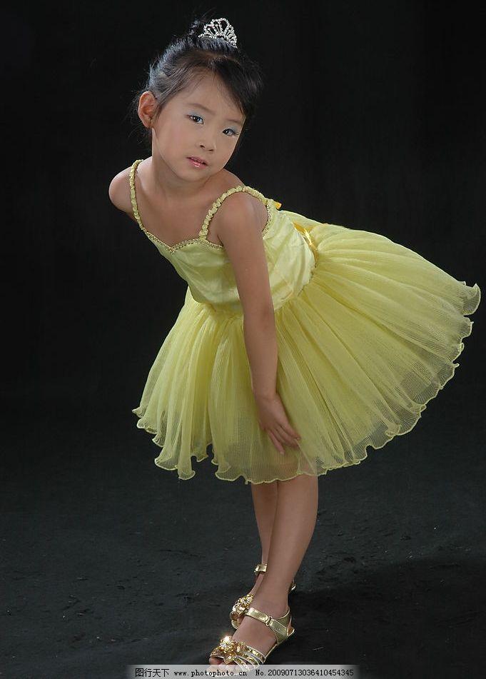 舞蹈小女孩 芭蕾裙 小孩 纱裙 儿童幼儿 摄影图库