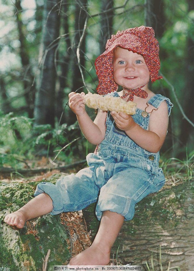 外国小孩子 外国小孩 吃玉米