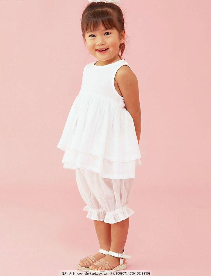 儿童幼儿 可爱 小朋友 儿童摄影 女孩 裙子 孩子特写 人物图库