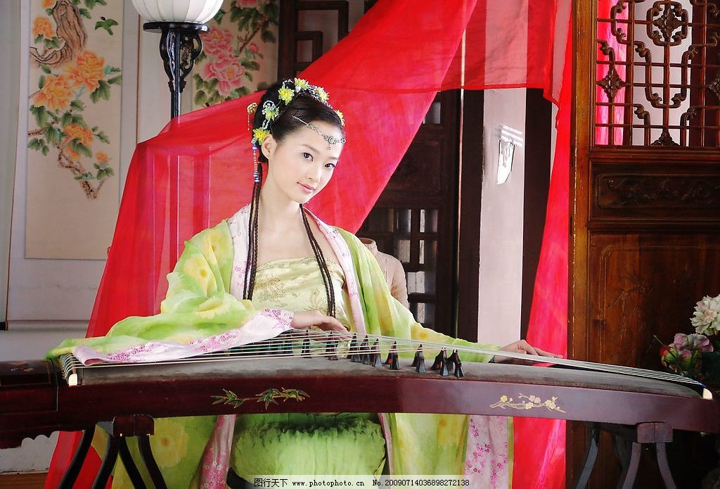 古代美女 古典 古代 古装 美女 佳人 弹琴 字画 飘带 人物图库 女性