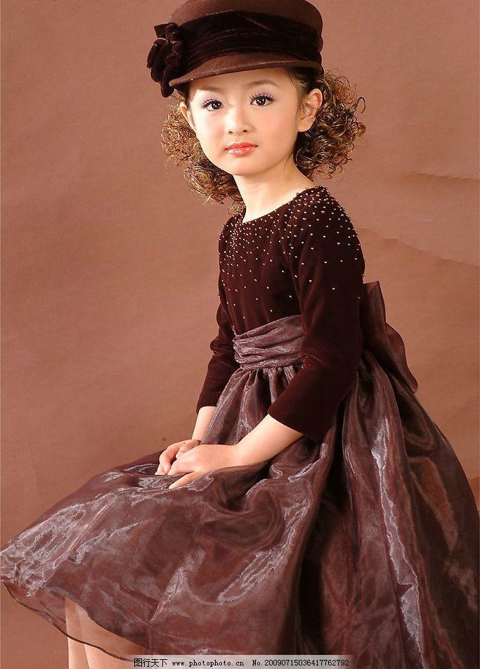 小美女 美少女 可爱 漂亮 开心 快乐 天真 半身像 微笑 儿童幼儿