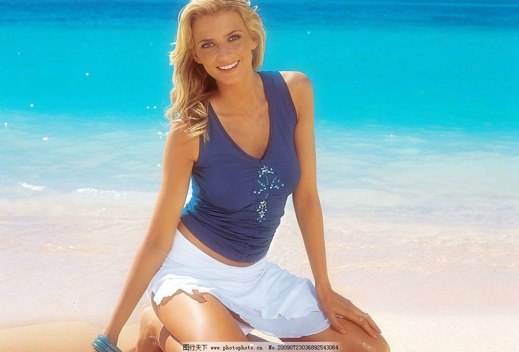 美女模特 美女 女人 美丽 性感 可爱 小女人 漂亮 微笑 模特 海边