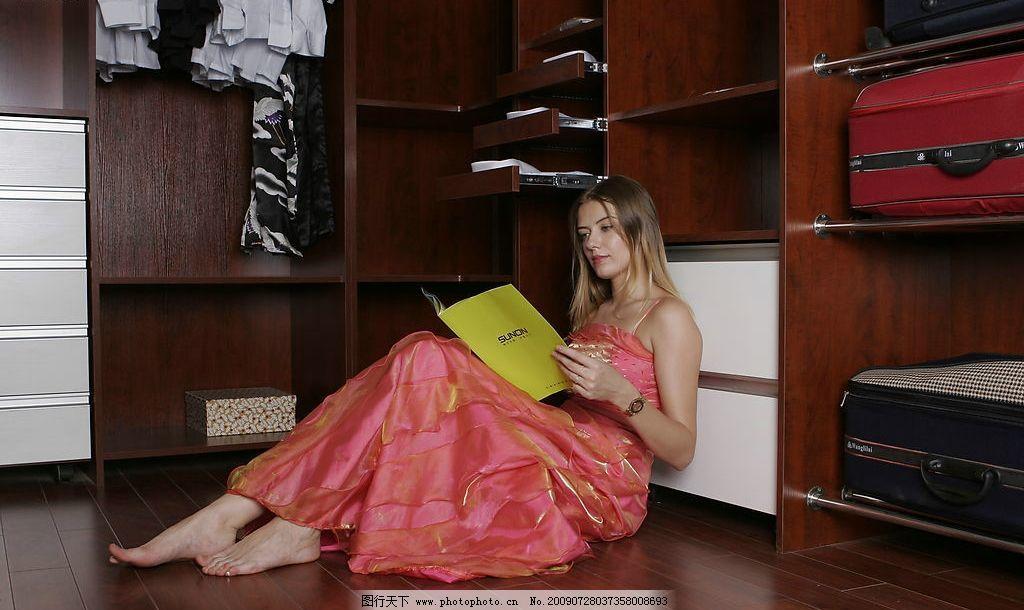 意大利家具品牌模特加场景图片