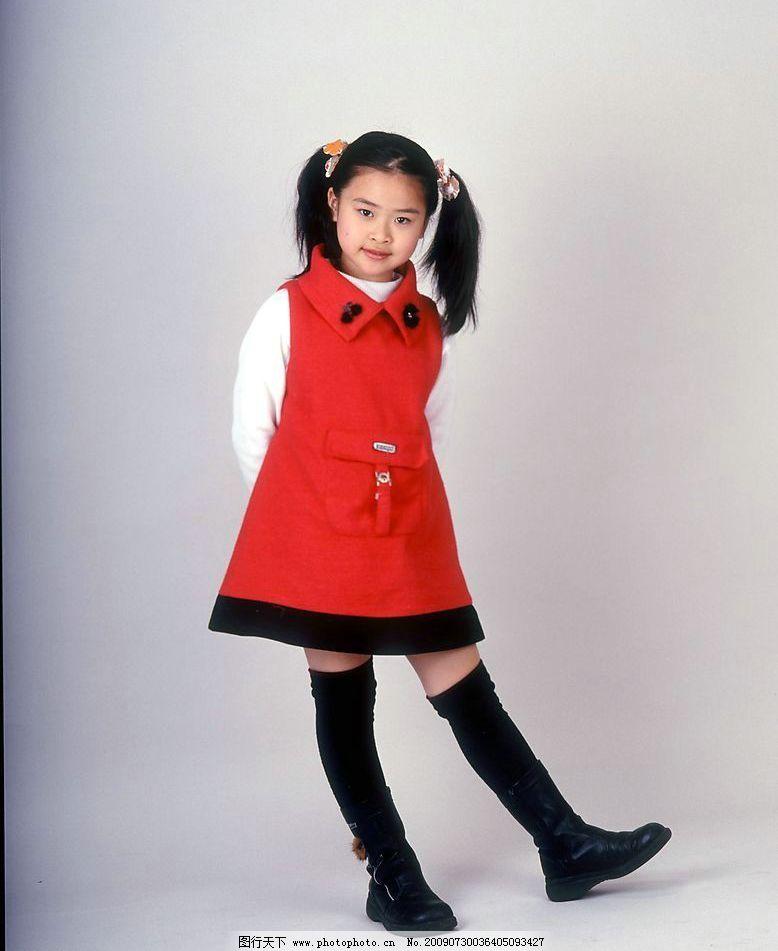 小女孩 女人 女童 小姑娘 小美女 可爱儿童 服饰 天真 活泼