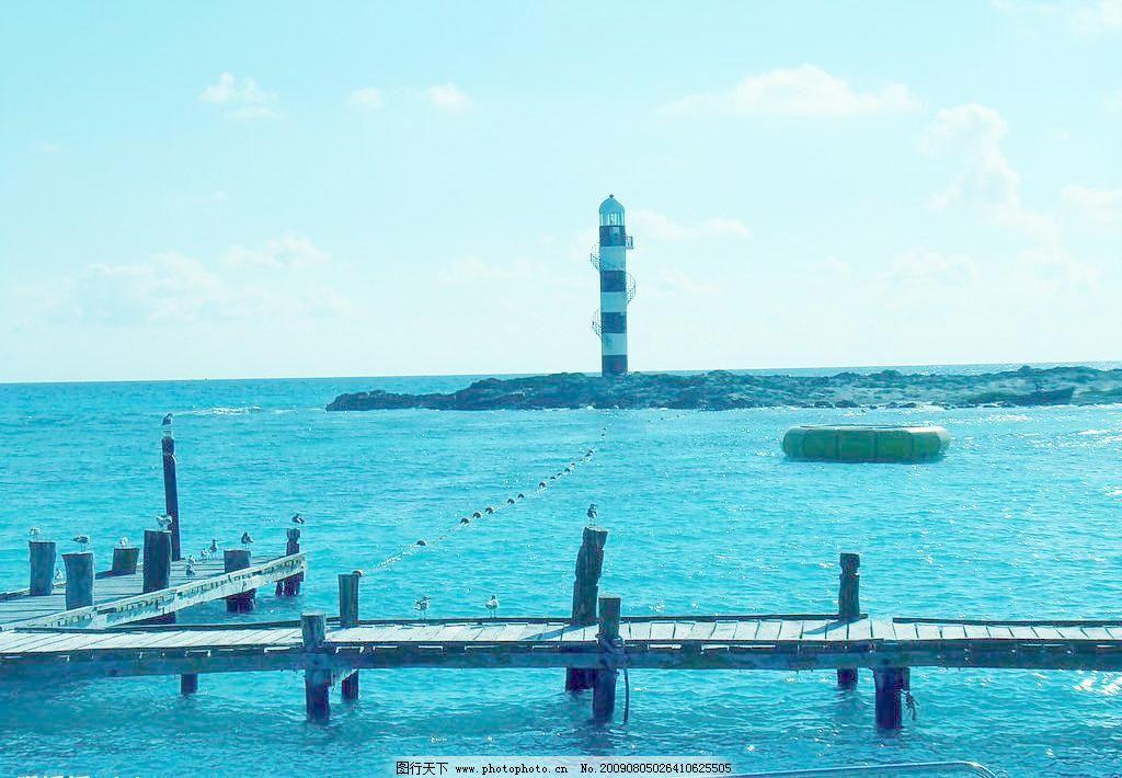 海岸灯塔图片