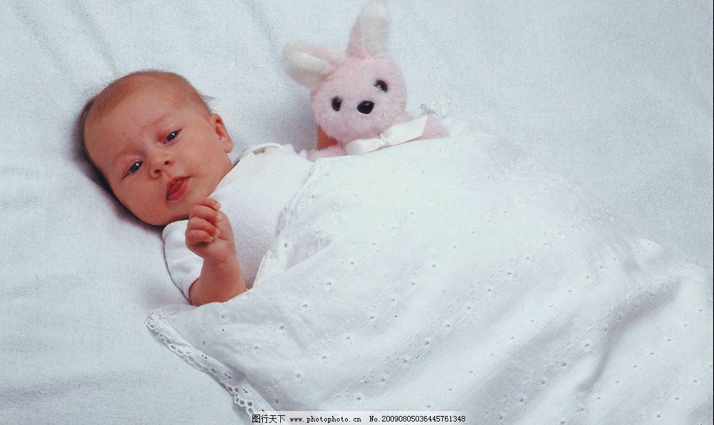宝宝和兔子 可爱 兔子 宝宝 人物图库 儿童幼儿 摄影图库 300dpi jpg