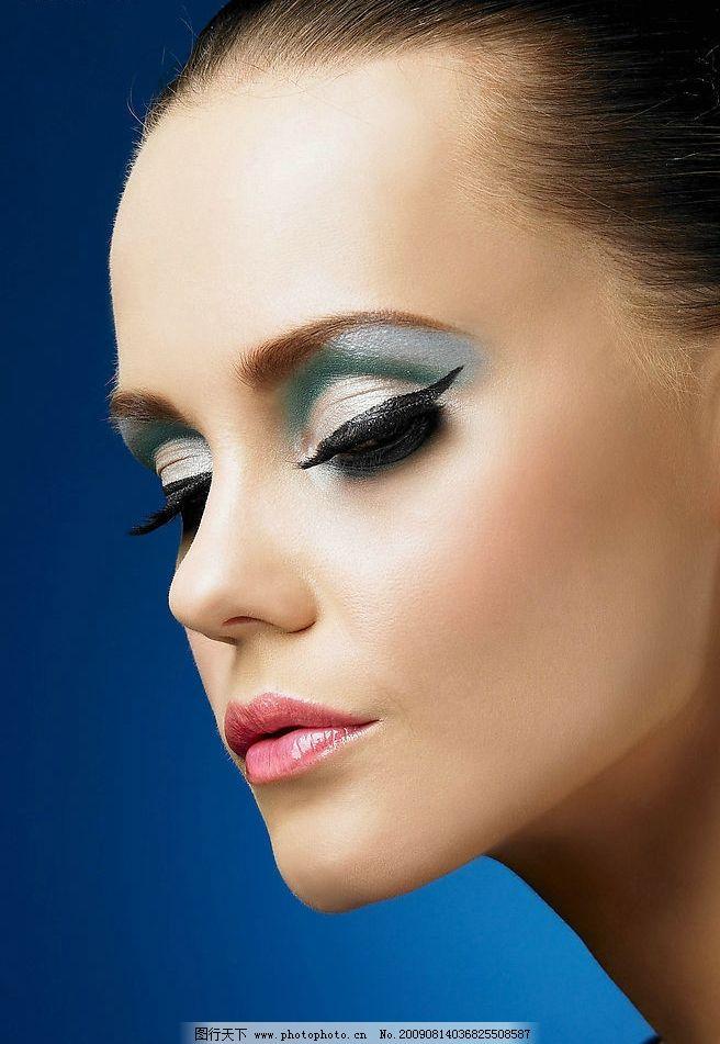 广告美女 模特 女人 女性 眼睫毛 纹绣 彩妆 粉红 妖艳 人物图库