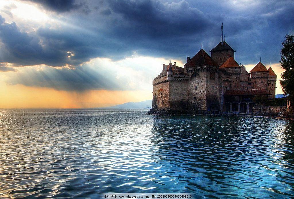 海边城堡 美丽风景 海水 蓝天 白云 云层 天空 堡垒 摄影图库