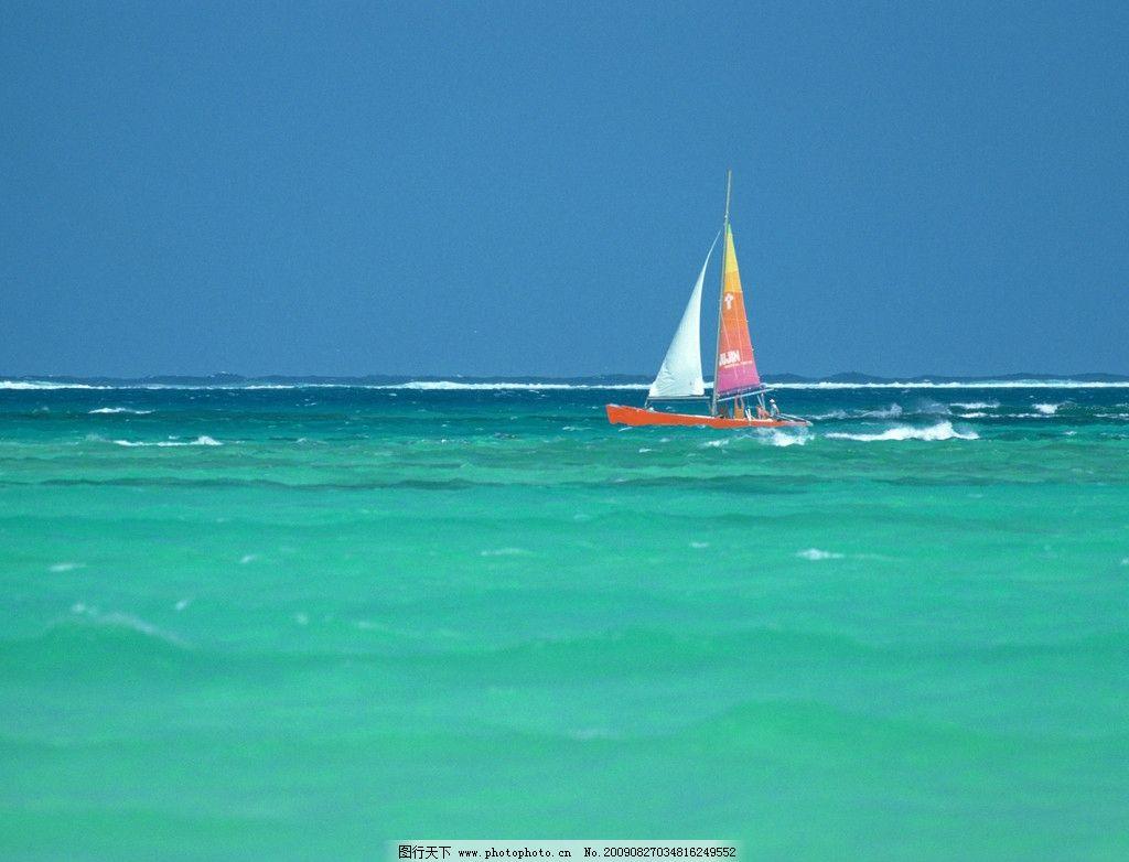 浩瀚的海洋 蓝天 大海 波浪 浪花 帆船 人物 自然风景 自然景观 摄影