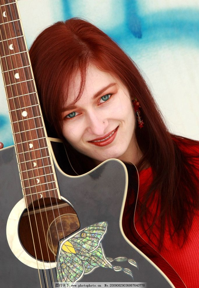 吉他 微笑图片_女性女人_人物图库_图行天下图库