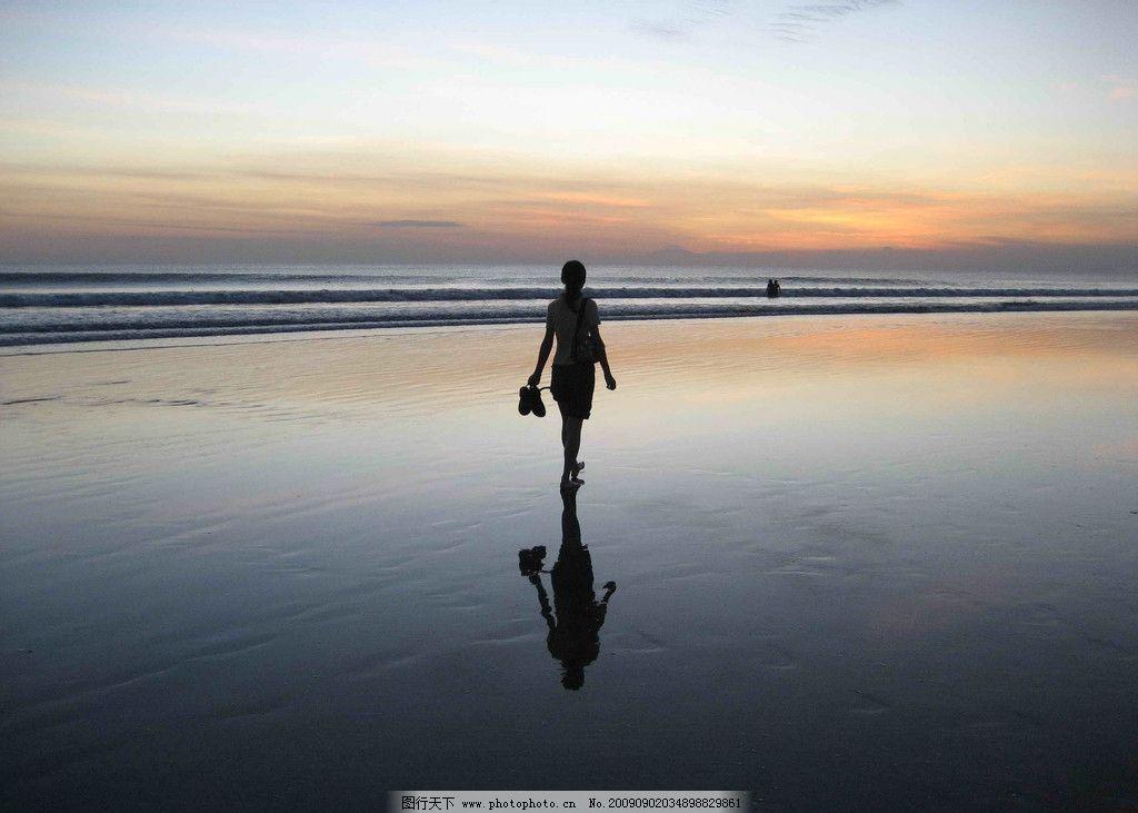 夕阳下漫步 海滩 旅游 散步 自然风景 自然景观 摄影