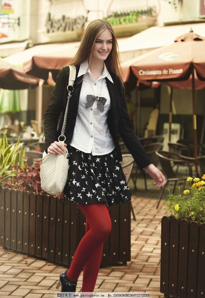 美女 服装模特 女人 美少女 休闲服 外国美女 清纯 笑容 长发 背包
