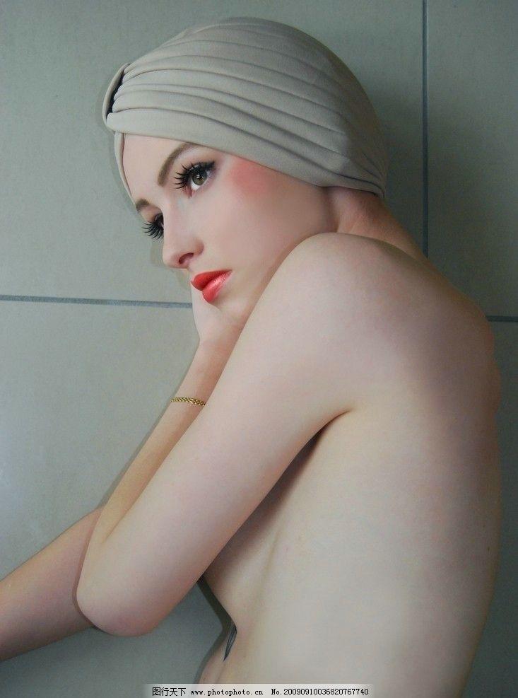 美女出浴图片
