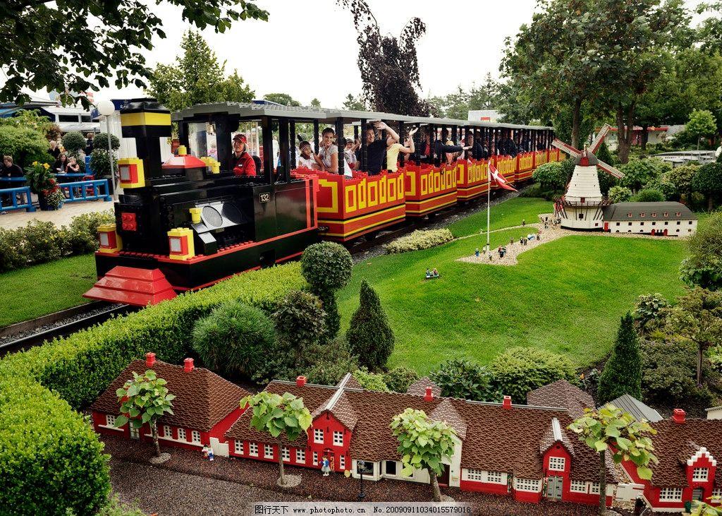 儿童游乐场火车 小火车 绿地 城市模型 快乐 国外旅游