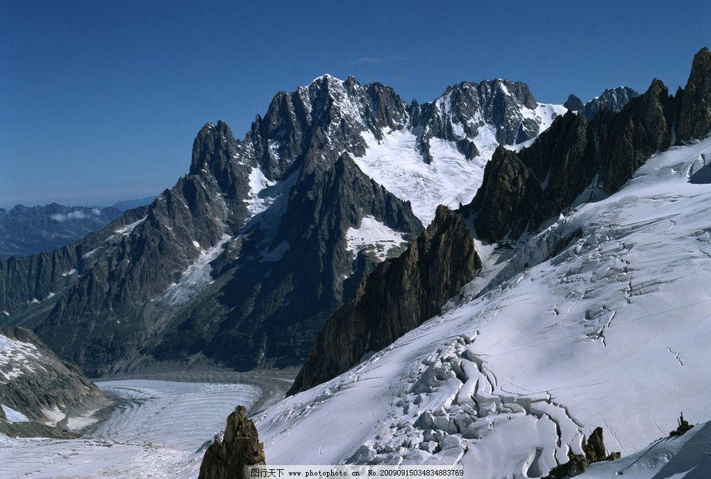 冬景 山 藍天 懸崖 峭壁 雪 雪山 山坡 雪地 自然風景 自然景觀 攝影