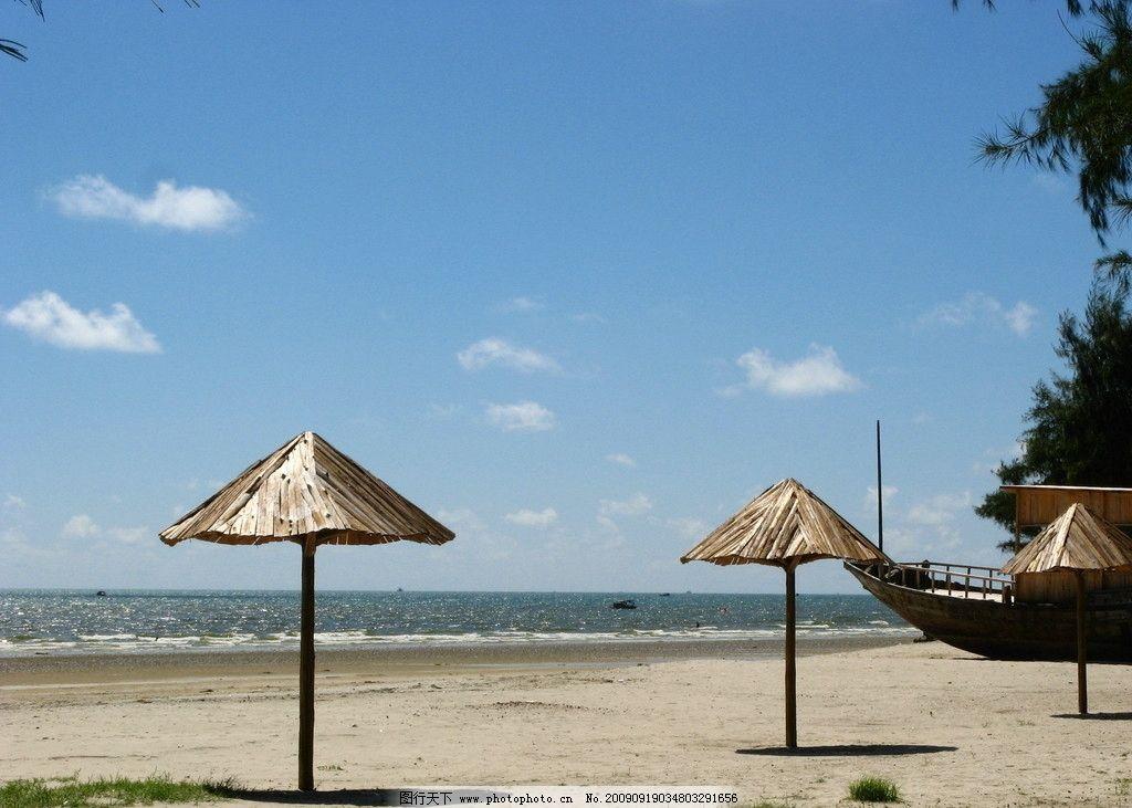 北海侨港海边 沙滩 凉亭 蓝天 白云 531m jpg 广西北海银滩的海边