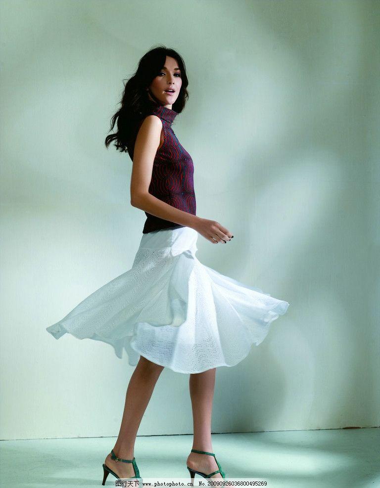 女模特 女性 职业女性 服装 服装模特 裙子     300像素 人物 女性
