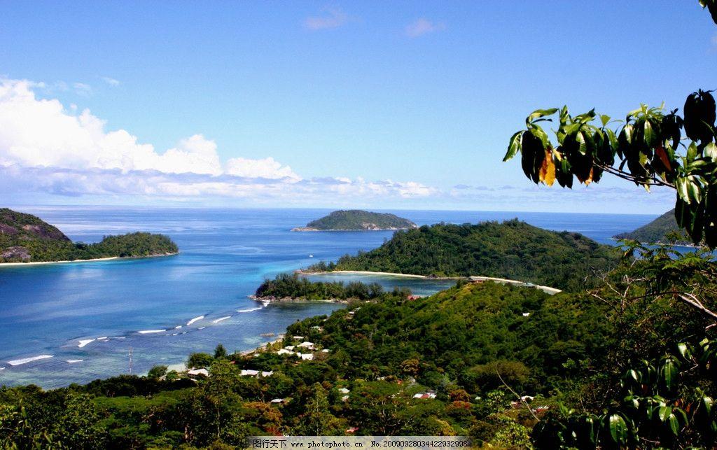 海湾远景 海浪 海岛 白云 山水风景 自然景观 摄影 150dpi jpg