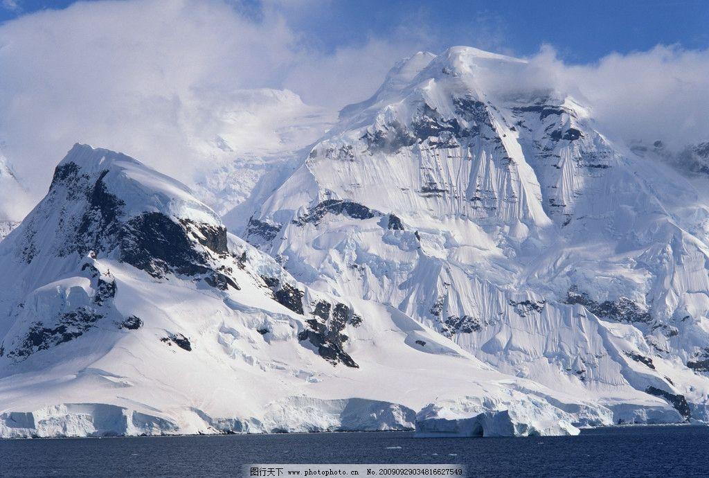 雪山 湖 雾 蓝天 自然风景 自然景观 摄影 350dpi jpg